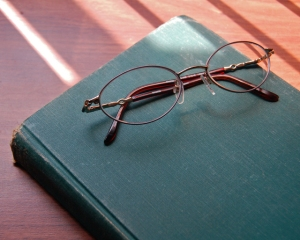 glasses_and_book